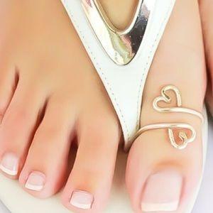 Double heart toe ring
